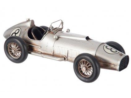 auto stříbrné
