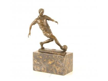 Bronzová soška fotbalista